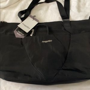 🆕Baggallini Avenue Tote Travel🆕, Black